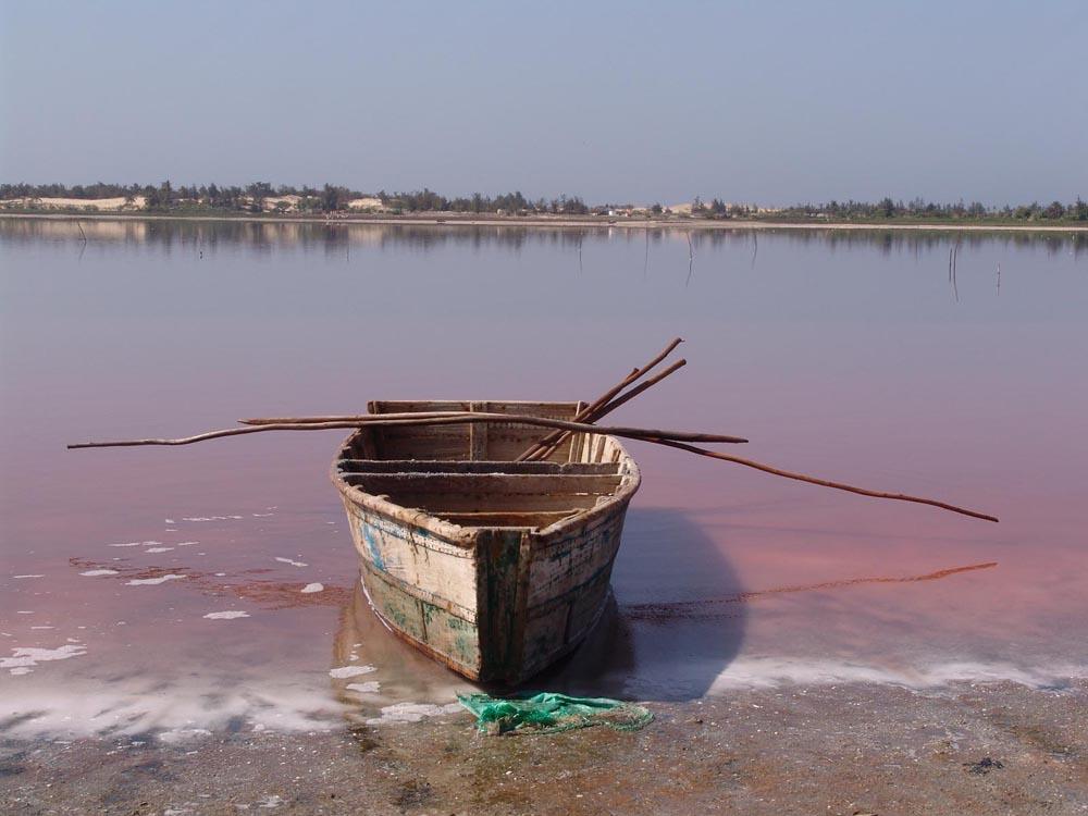 pink lake view 97389 1600x1200 Розовое озеро в Сенегале