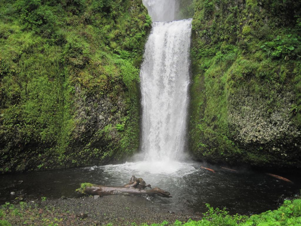 waterfall06 Водопад Малтнома