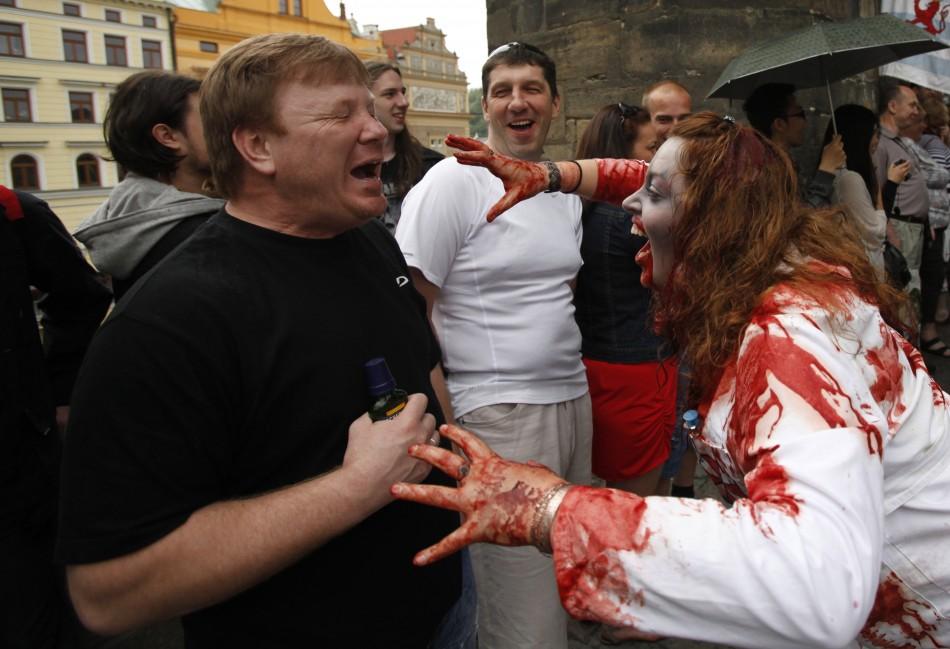 zombie 11 Угроза зомби апокалипсиса в фотографиях