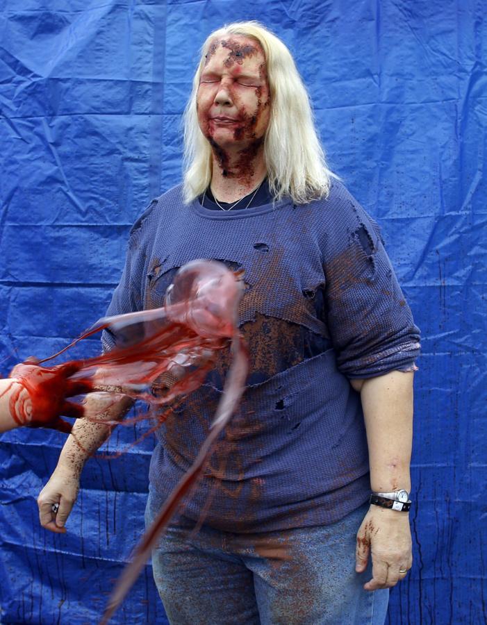 zombie 9 Угроза зомби апокалипсиса в фотографиях