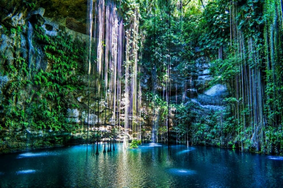 1119 6 самых живописных природных дыр в земле