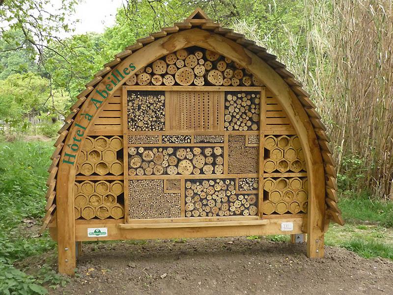 1147 Добро пожаловать в пчелиный отель!