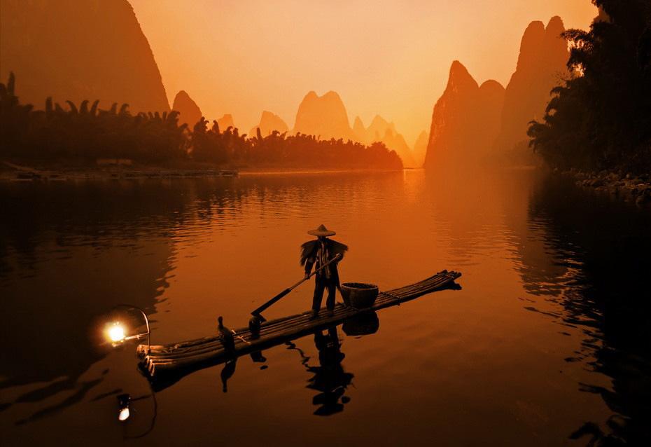 2125 Традиционная китайская рыбалка с бакланами