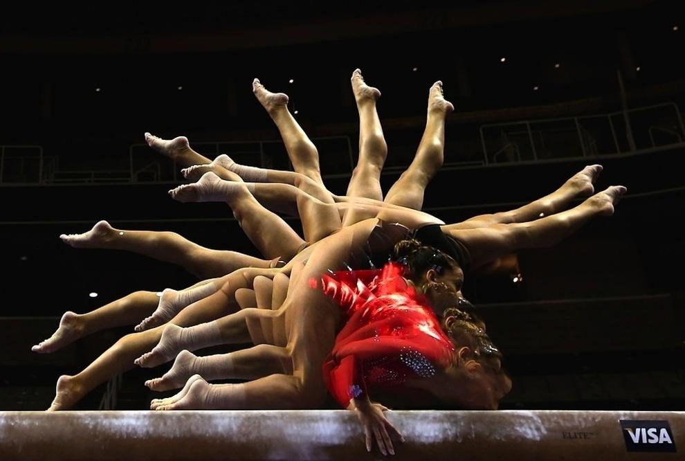 213 Гимнасты в движении