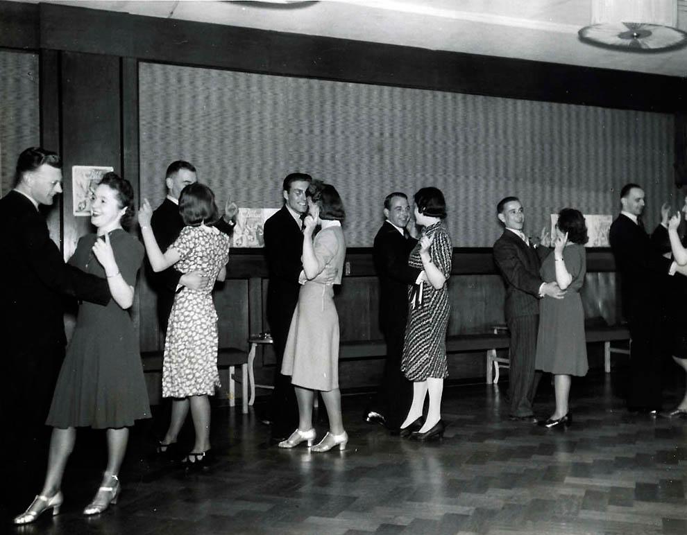463 Ретро танцоры