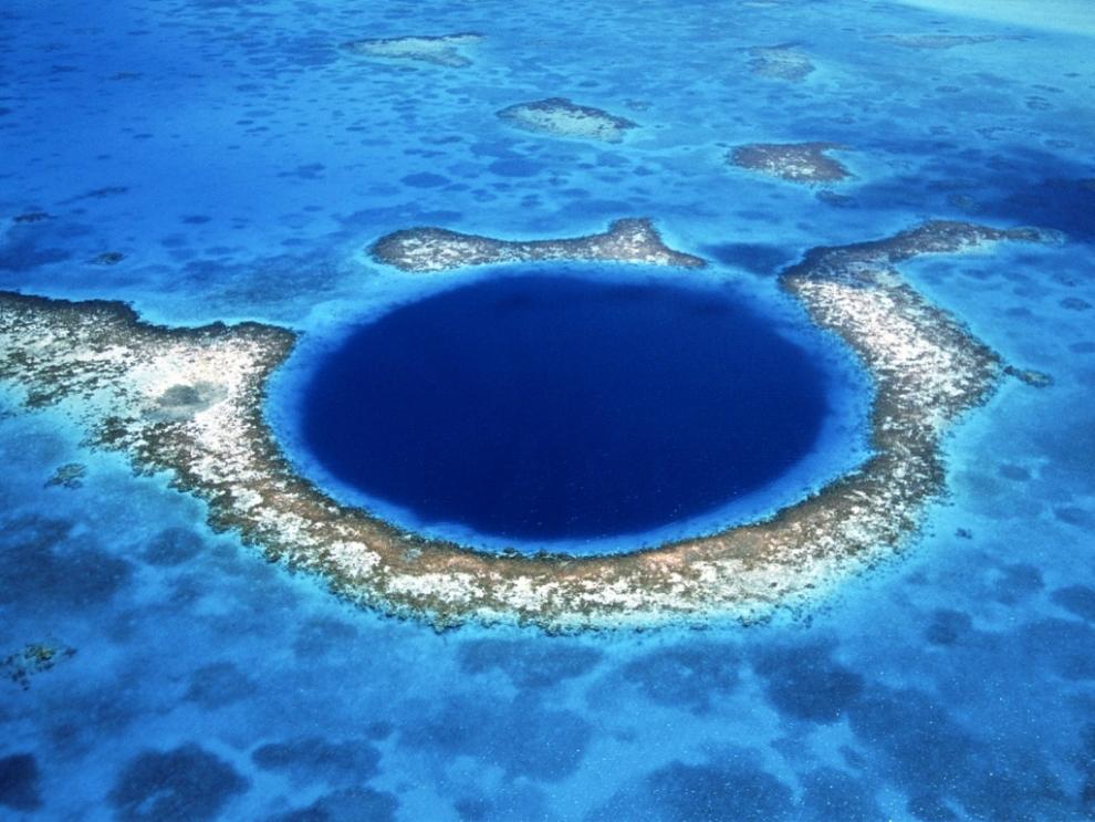 815 6 самых живописных природных дыр в земле