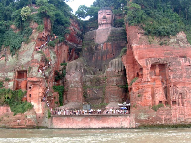 Buddha 3 800x600 Гигантский Будда в Лэшане