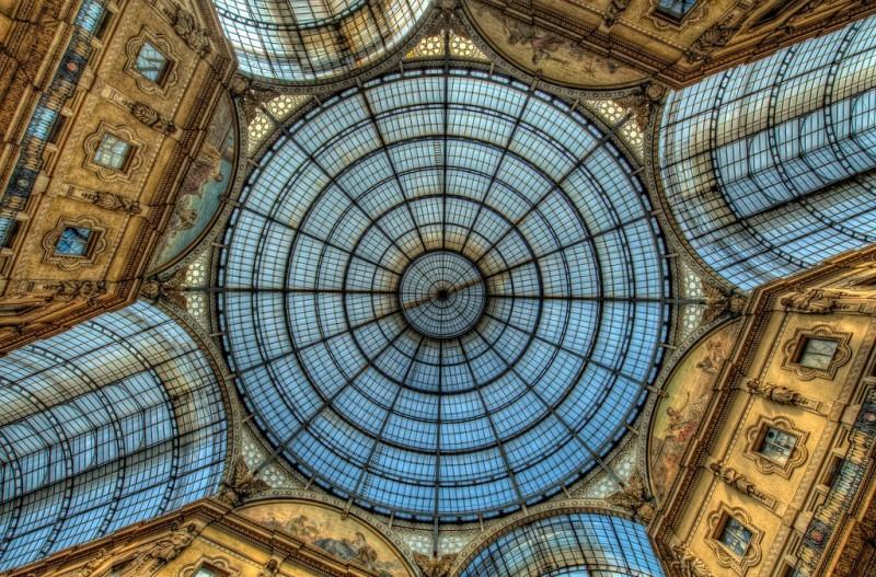 Миланская улица под куполом