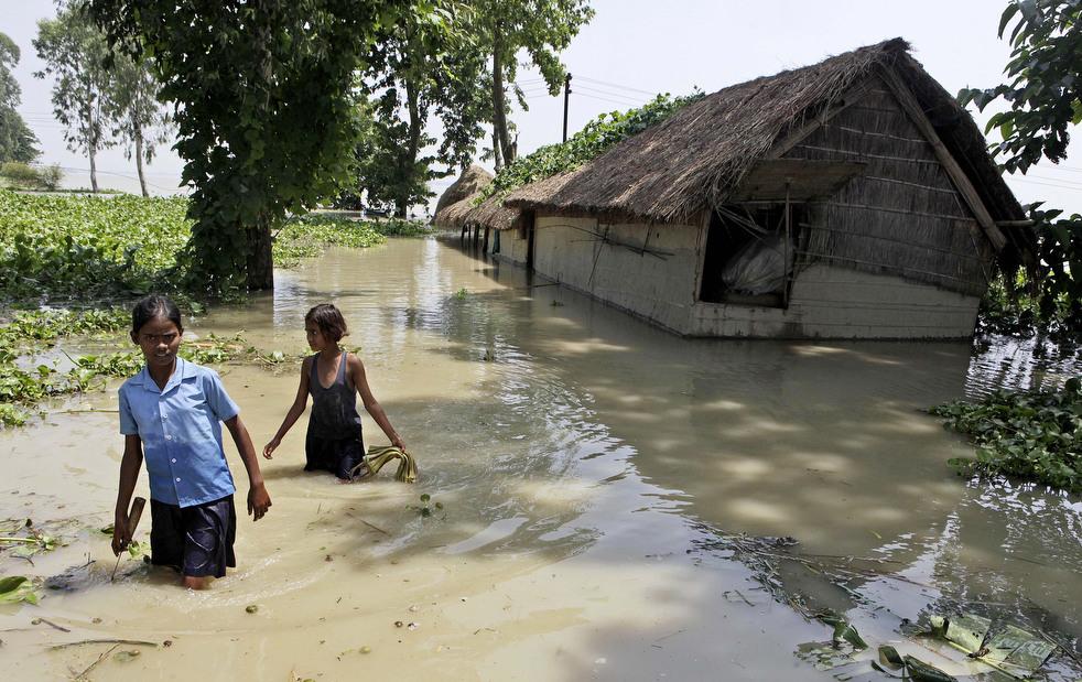 India 12 Наводнение в Индии: 80 человек погибли, более 1 млн остались без крова