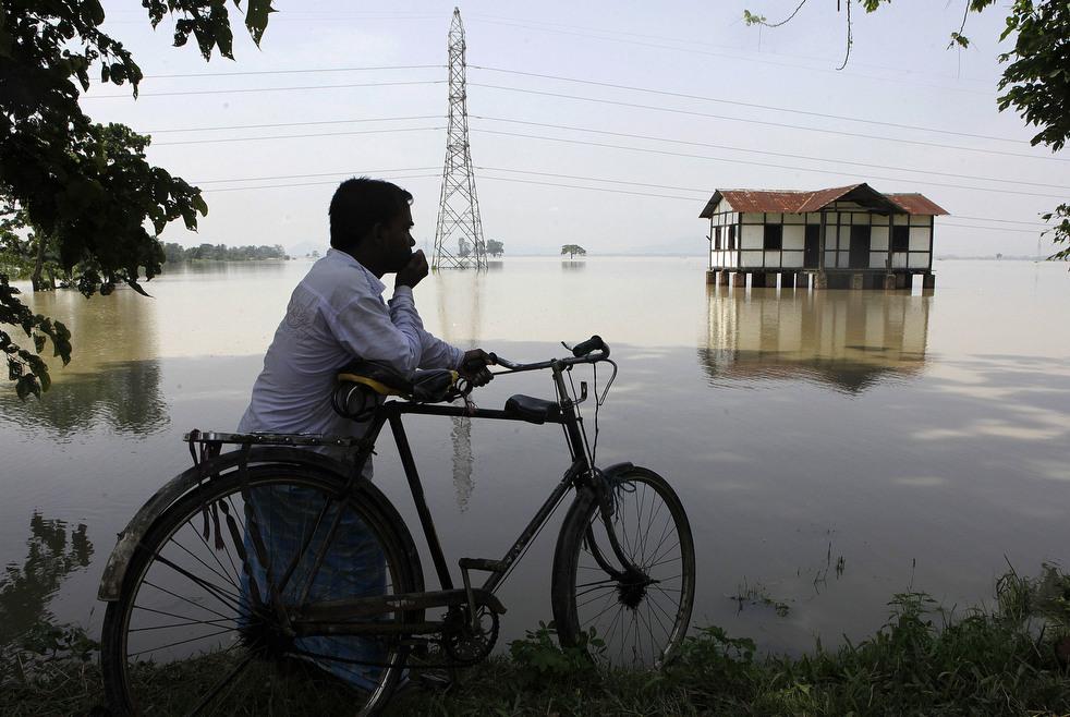 India 13 Наводнение в Индии: 80 человек погибли, более 1 млн остались без крова
