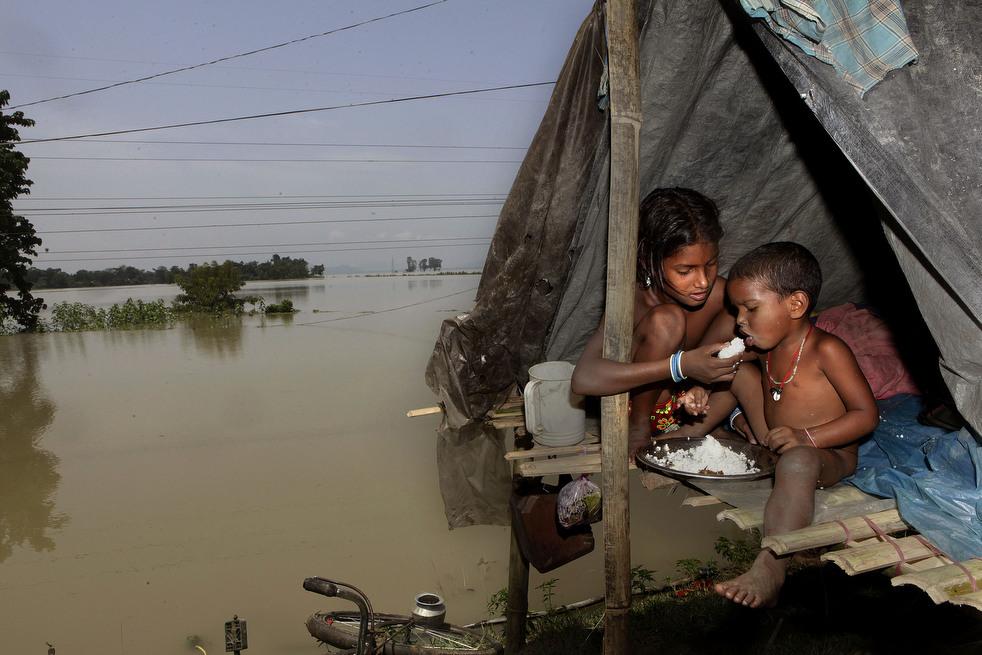 India 14 Наводнение в Индии: 80 человек погибли, более 1 млн остались без крова