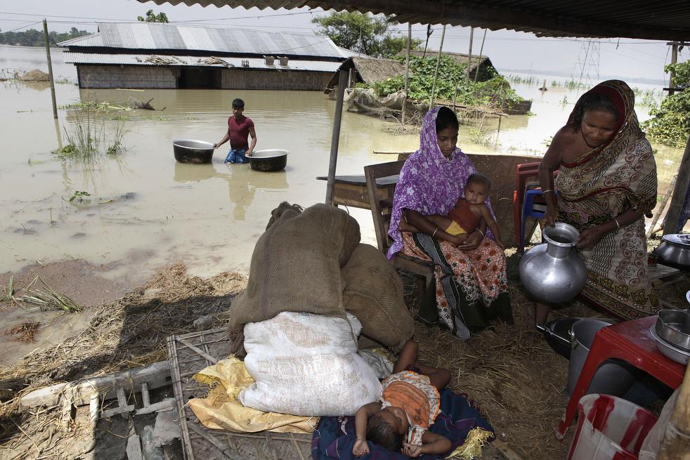 India 15 Наводнение в Индии: 80 человек погибли, более 1 млн остались без крова
