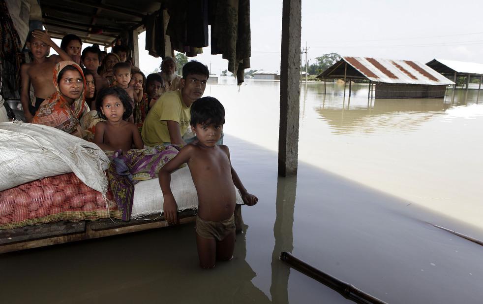 India 16 Наводнение в Индии: 80 человек погибли, более 1 млн остались без крова