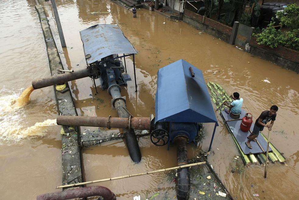 India 18 Наводнение в Индии: 80 человек погибли, более 1 млн остались без крова