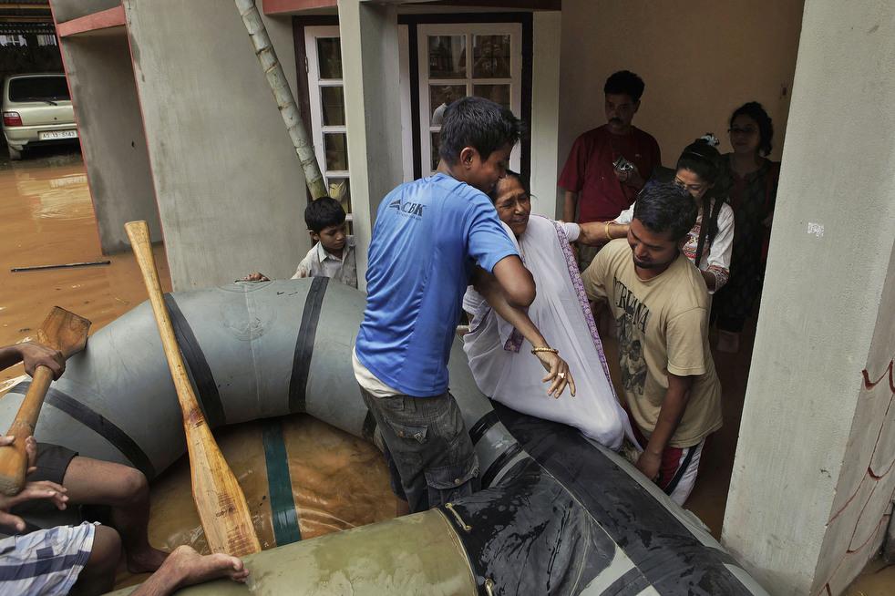 India 21 Наводнение в Индии: 80 человек погибли, более 1 млн остались без крова