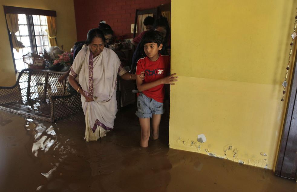 India 23 Наводнение в Индии: 80 человек погибли, более 1 млн остались без крова