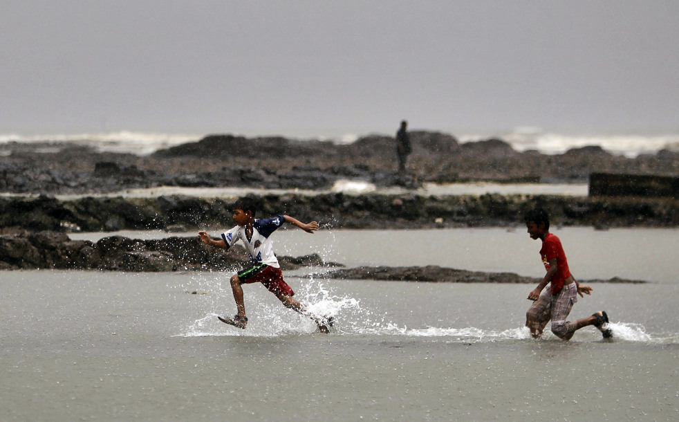 India 24 Наводнение в Индии: 80 человек погибли, более 1 млн остались без крова