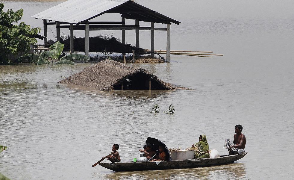 India 3 Наводнение в Индии: 80 человек погибли, более 1 млн остались без крова