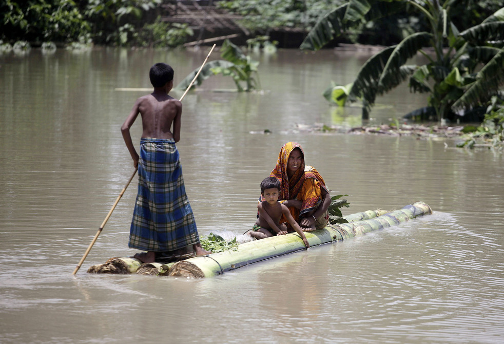 India 5 Наводнение в Индии: 80 человек погибли, более 1 млн остались без крова