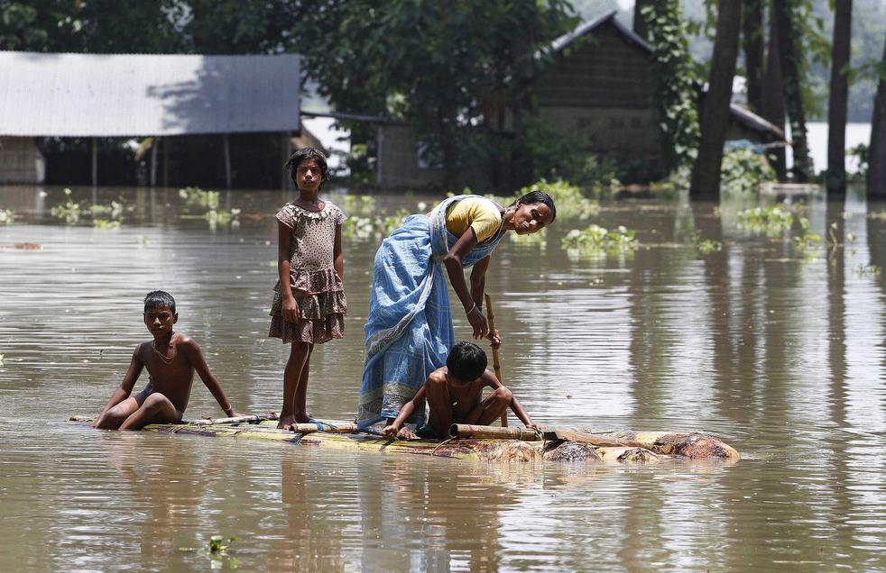 India 6 Наводнение в Индии: 80 человек погибли, более 1 млн остались без крова