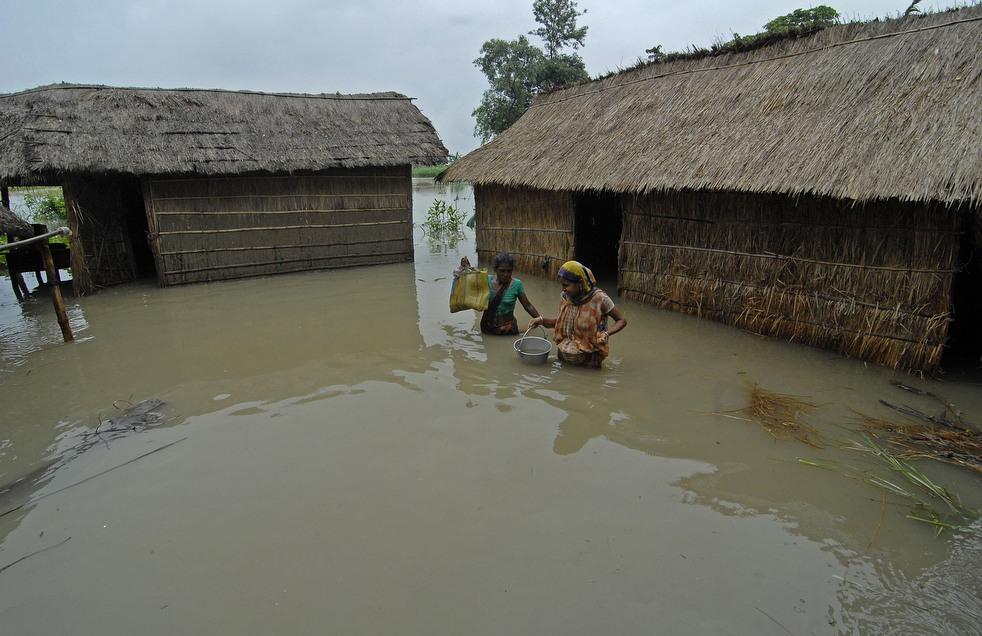 India 7 Наводнение в Индии: 80 человек погибли, более 1 млн остались без крова