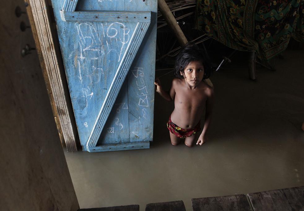 India 8 Наводнение в Индии: 80 человек погибли, более 1 млн остались без крова