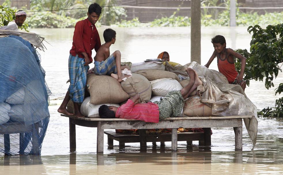 India 9 Наводнение в Индии: 80 человек погибли, более 1 млн остались без крова