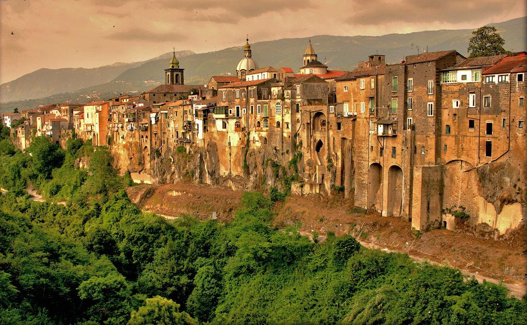 Italia 3 Необыкновенный вид города Сант'Агата де' Готи