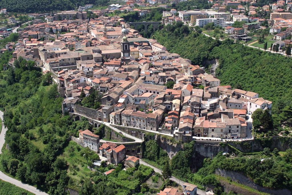 Italia 5 Необыкновенный вид города Сант'Агата де' Готи