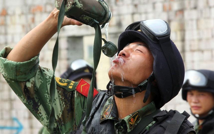 SWAT16 Тренировка китайского спецназа
