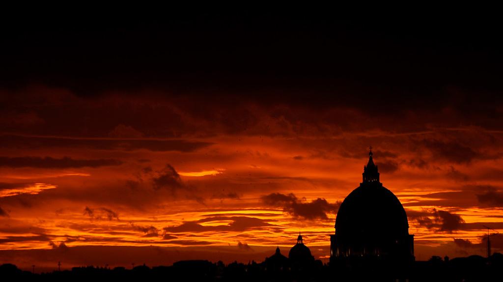 Silhouette 12 Силуэты в новостных фотографиях со всех уголоков мира