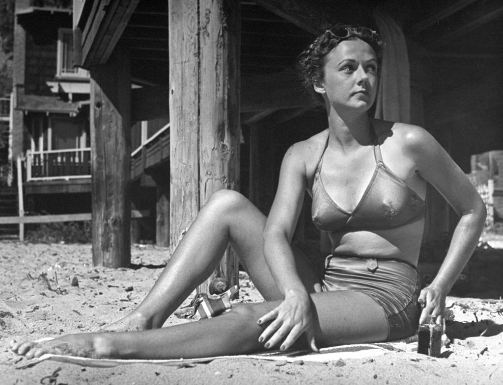 bikini 1 - 73 года назад появился самый маленький купальник в мире — бикини