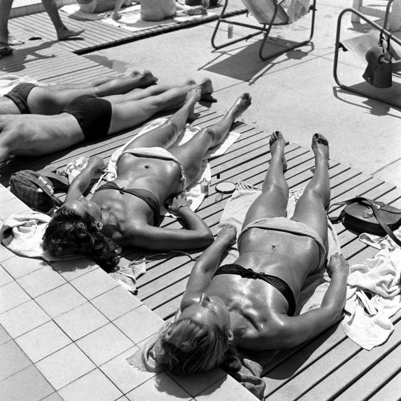 bikini 10 - 73 года назад появился самый маленький купальник в мире — бикини