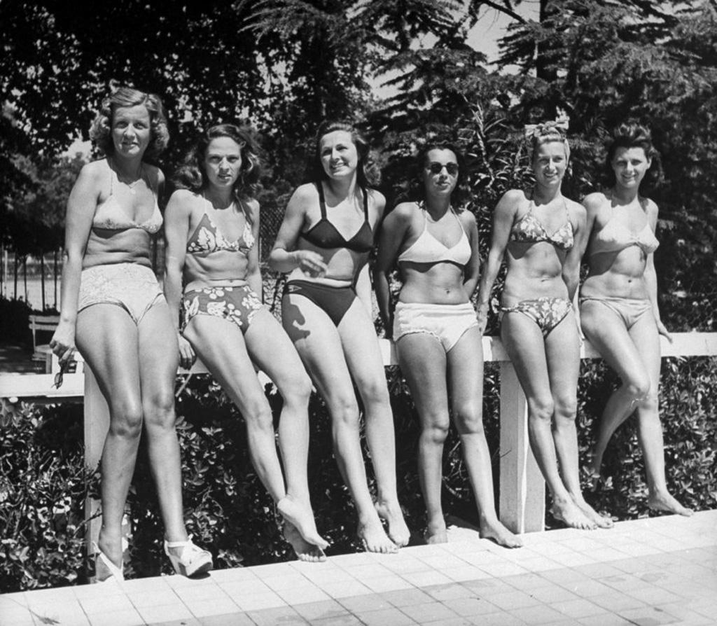 bikini 11 - 73 года назад появился самый маленький купальник в мире — бикини