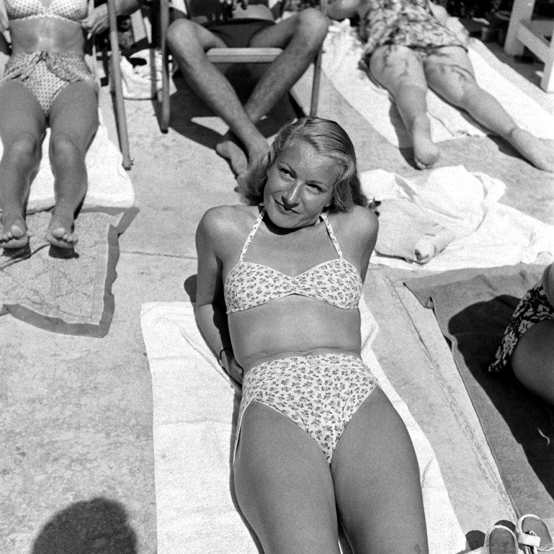 bikini 13 - 73 года назад появился самый маленький купальник в мире — бикини