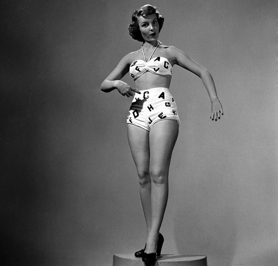 bikini 16 - 73 года назад появился самый маленький купальник в мире — бикини