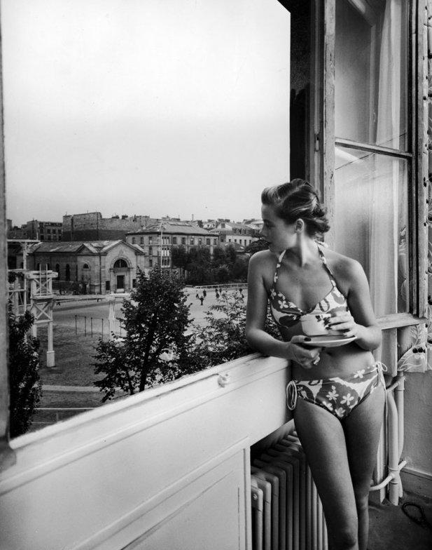 bikini 18 - 73 года назад появился самый маленький купальник в мире — бикини
