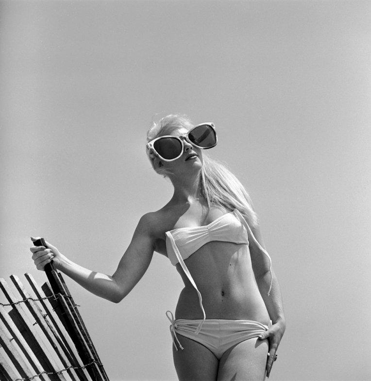 bikini 22 - 73 года назад появился самый маленький купальник в мире — бикини