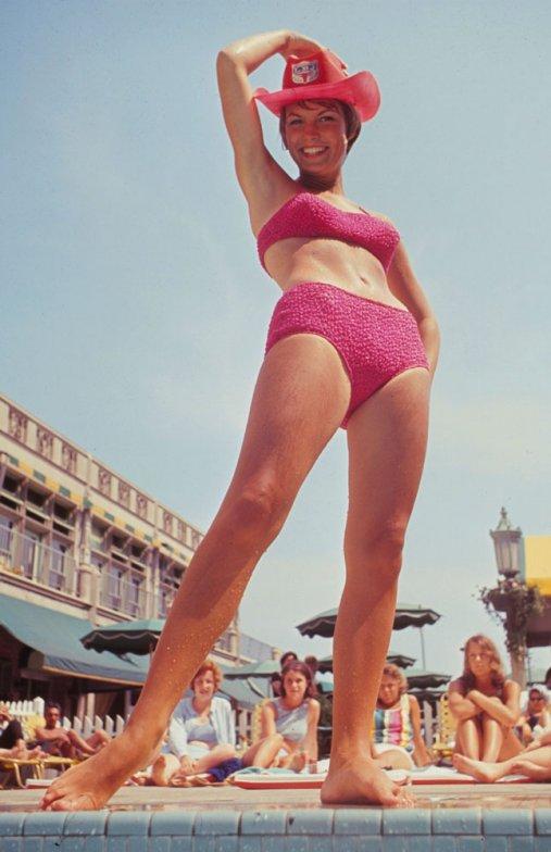 bikini 27 К годовщине появления бикини