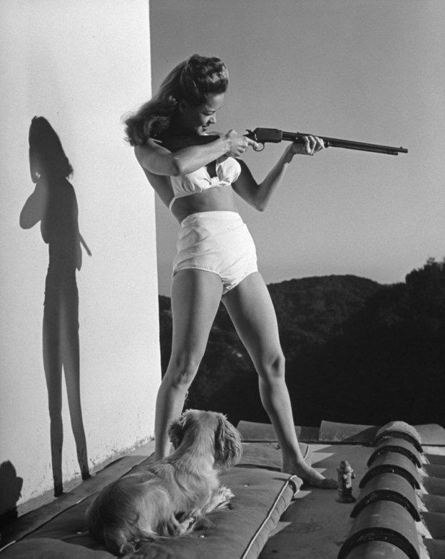 bikini 3 - 73 года назад появился самый маленький купальник в мире — бикини