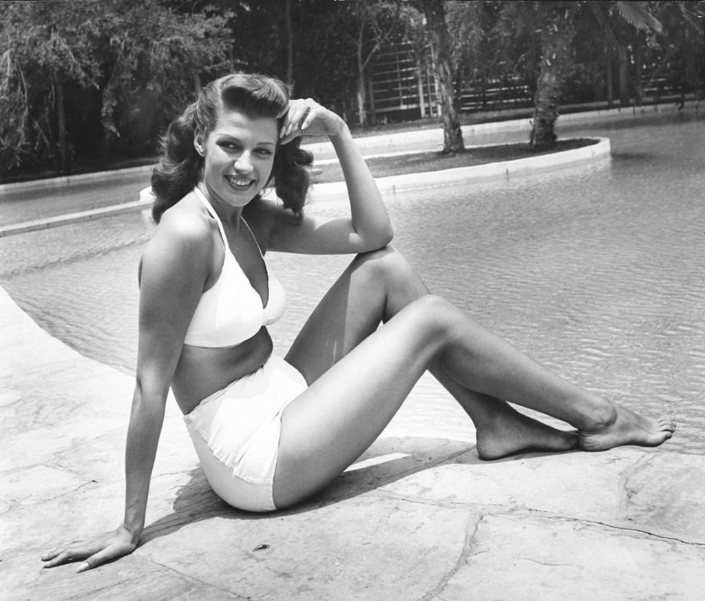 bikini 4 - 73 года назад появился самый маленький купальник в мире — бикини