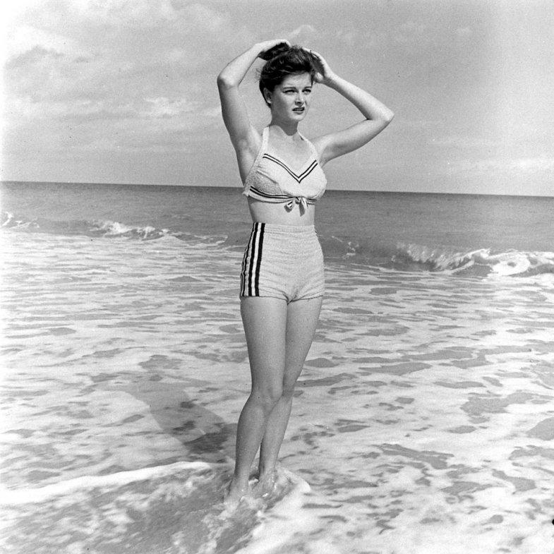 bikini 5 - 73 года назад появился самый маленький купальник в мире — бикини