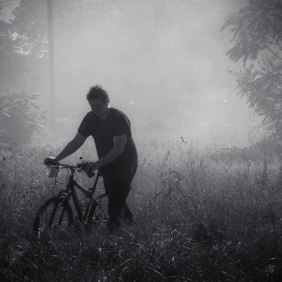 fire15 990x990 Фотопроект «Больше, чем работа» Брайана Дэя