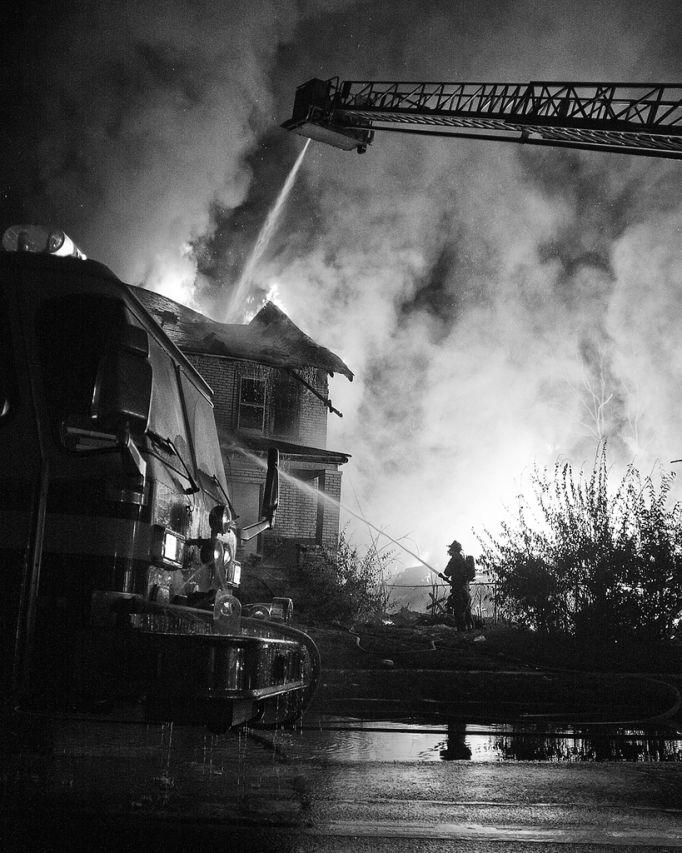 fire20 Фотопроект «Больше, чем работа» Брайана Дэя