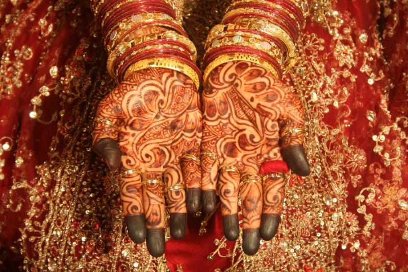 mendi 25 Индия и Индонезия: Кружева, нарисованные хной