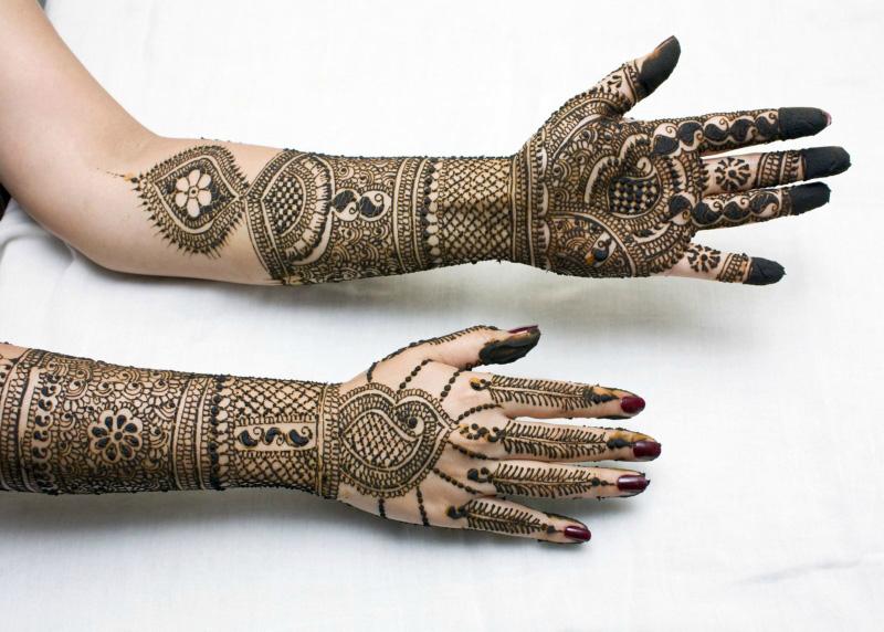mendi 30 Индия и Индонезия: Кружева, нарисованные хной