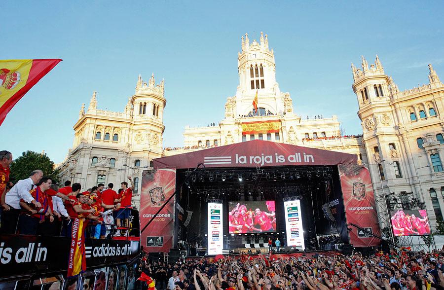 roja04 Триумф сборной Испании в Мадриде