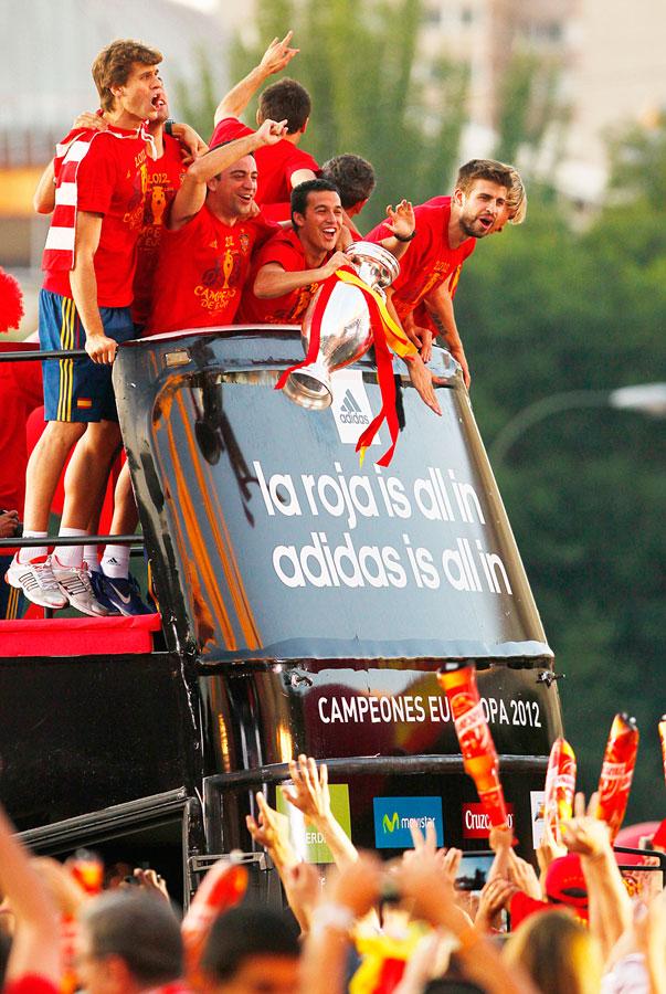 roja17 Триумф сборной Испании в Мадриде