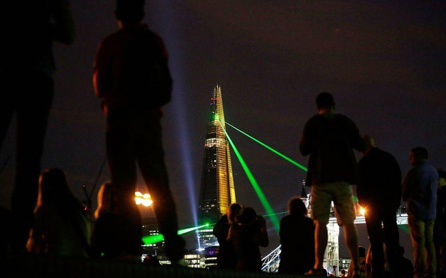 shard lightshow 04 Официальное открытие самого высокого небоскрёба Европы The Shard
