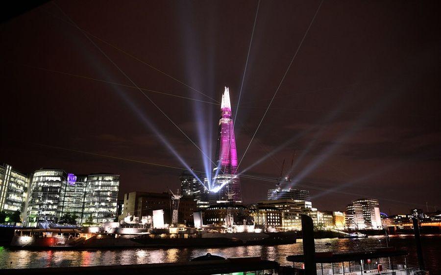 shard lightshow 07 Официальное открытие самого высокого небоскрёба Европы The Shard